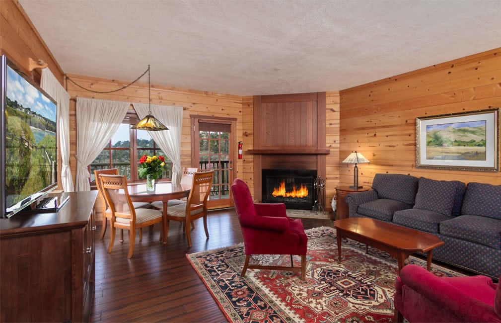 mendocino coast bed and breakfast with ocean views, fireplace and two room suite
