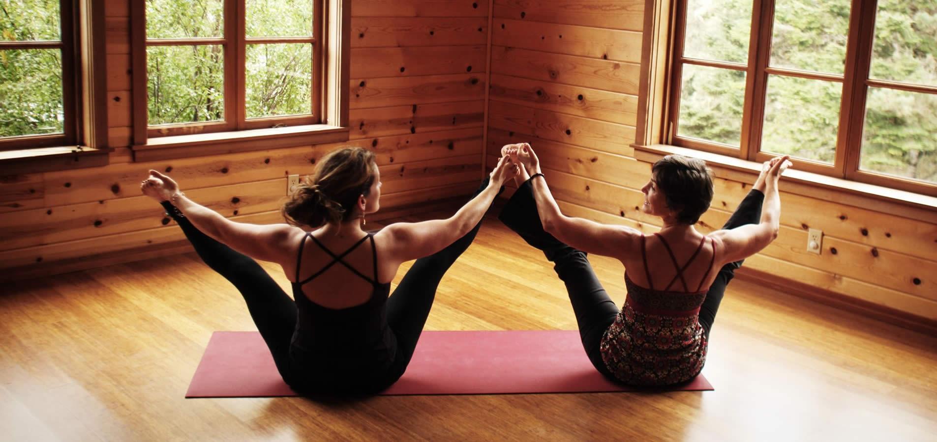 mendocino resort activities- two women doing yoga pose