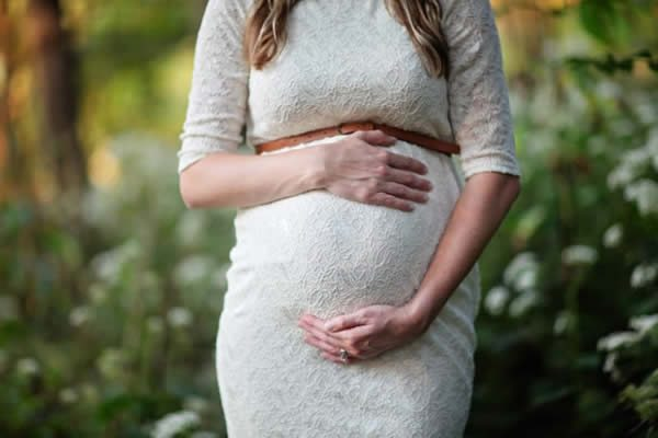 mendocino vacation packages: woman with pregnancy