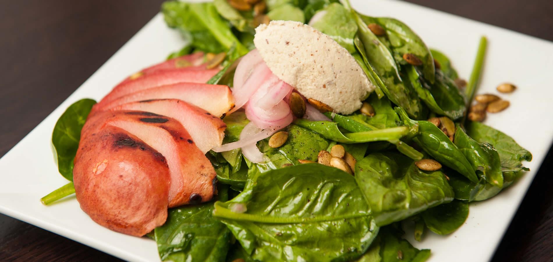mendocino ravens restaurant peach salad