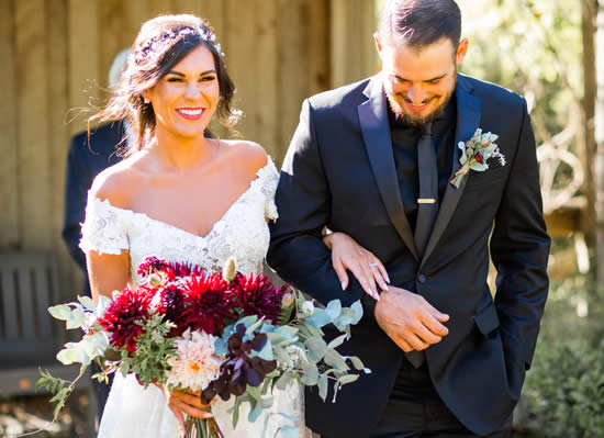 mendocino coast weddings with bride and groom at stanford inn by the sea